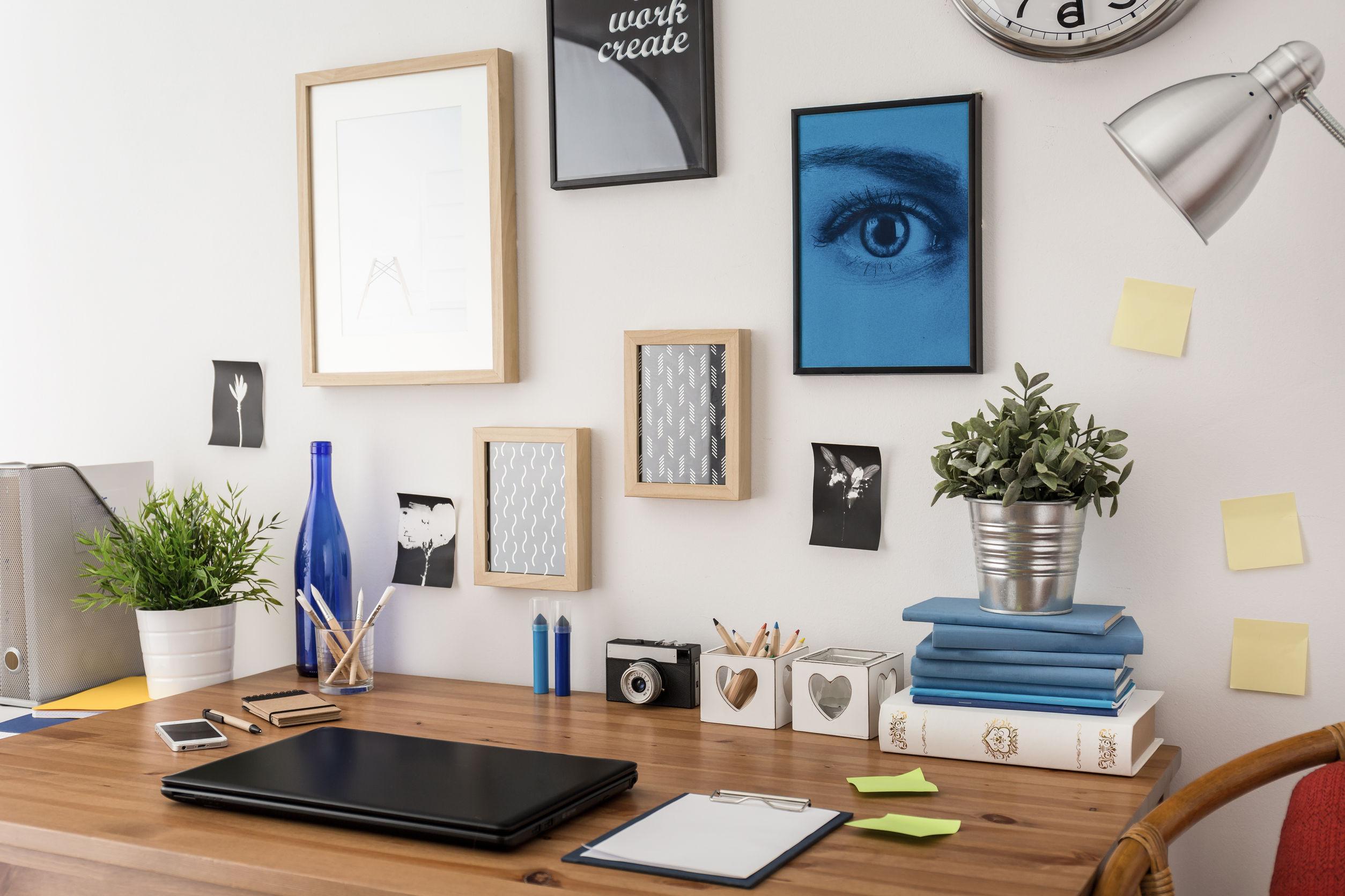 WeOrganise - een artistiek muur met vele soorten kunstwerken